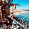 Kev Adams et Iris Mittenaere en couple : ils s'offrent des vacances en amoureux en Grèce