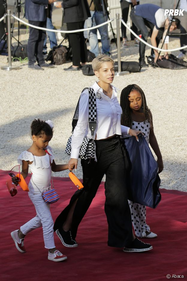Isabelle Matuidi et ses filles Myliane et Naëlle à l'Elysée après la victoire des Bleus le 16 juillet 2018