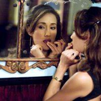 Nikita ... La magnifique Maggie Q ... aguicheuse devant et derrière la caméra