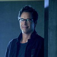 The Flash saison 5 : un nouveau Wells version Sherlock Holmes délirant cette année