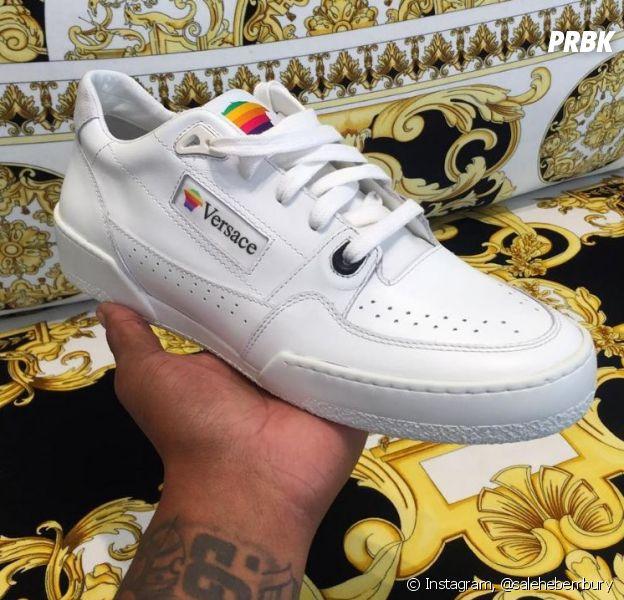 Apple x Versace : des sneakers en mode nineties qui pourraient voir le jour.