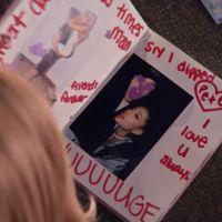 """Clip """"Thank U, Next"""" : Ariana Grande en mode Lolita malgré moi et La Revanche d'une blonde"""