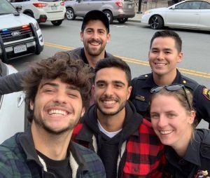 Noah Centineo arrêté : il prend un selfie avec les policiers et le poste sur Instagram