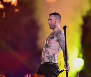 Super Bowl 2019 : Adam Levine torse-nu fait polémique lors du concert de la mi-temps
