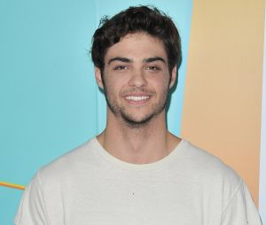Noah Centineo et Lily Collins en couple ?