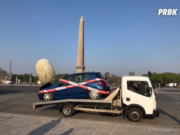 Parc Astérix : pour les 30 ans du parc et l'inauguration de la nouvelle attraction Attention Menhir !, Obélix a lancé des menhirs dans toute la France.