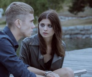 Felix Sandman et Hanna Ardéhn jouent Sebastian et Maja dans Quicksand
