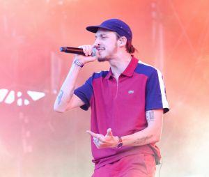 Romeo Elvis se moque des NRJ Music Awards et de ses concurrents, ils réagissent