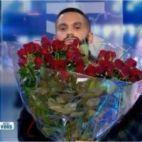 """Angèle demandée en mariage en direct à la télé par Malik Bentalha : """"envoie-moi un DM"""""""