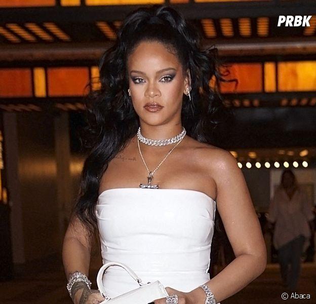 Rihanna fait la promo de Fenty Beauty... avec une chanson de Chris Brown : les fans sont déçus