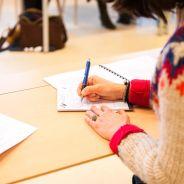 Coronavirus : des élèves privés d'école passent le bac blanc chez eux