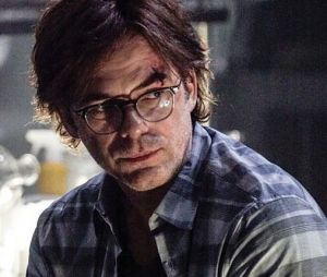 Billy Burke dans Zoo