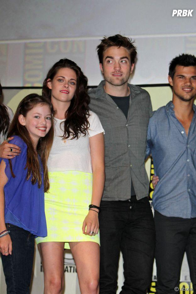 Mackenzie Foy et l'équipe de Twilight au Comic Con 2012