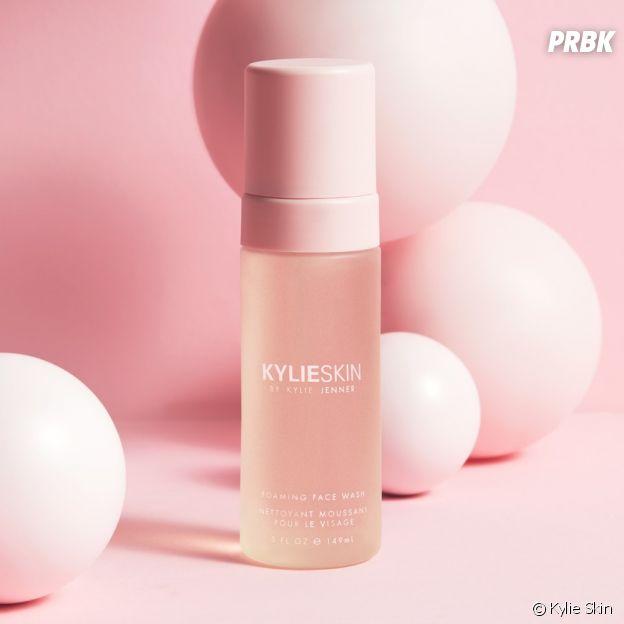 Kylie Jenner : la mousse nettoyante visage de la marque Kylie Skin (29,90 euros)