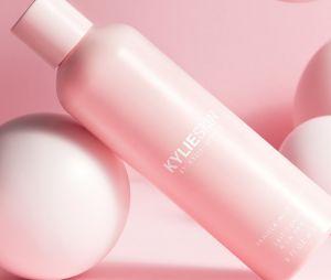 Kylie Jenner : le lait tonique à la vanille de la marque Kylie Skin (27,90 euros)