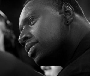 """Omar Sy : """"Réveillons-nous"""", son message fort sur le racisme et les violence policières"""
