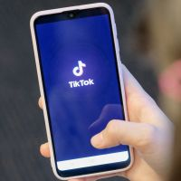 TikTok débloque 200 millions de dollars pour rémunérer ses stars : qui pourra en bénéficier ?