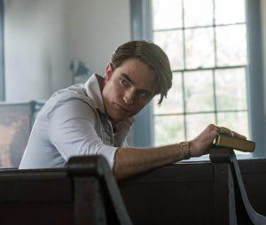 Le Diable, tout le temps : le film Netflix avec Tom Holland, Robert Pattinson, Bill Skarsgård et Mia Wasikowska se dévoile dans une bande-annonce captivante