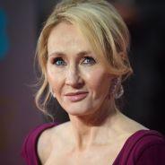 J.K. Rowling accusée d'être transphobe : elle dément et rend une récompense
