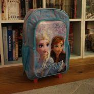 Un petit garçon moqué à l'école à cause de son sac La Reine des Neiges : Disney réagit ❤️