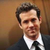 Ryan Reynolds ... Il tente d'oublier Scarlett Johansson dans les bras de son ex