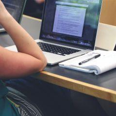 """""""Devoirs faits"""" : des étudiants vont être payés pour aider des collégiens à faire leurs devoirs"""