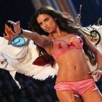 Adriana Lima ... Son rêve pour la Saint-Valentin