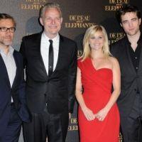 PHOTOS ... Robert Pattinson diablement séduisant pour l'avant première à Paris