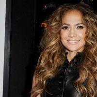 PHOTOS ... Jennifer Lopez lovée dans un ensemble noir pour son nouvel album
