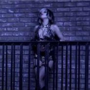 Lady Gaga VIDEO ... simple et sexy dans le clip de The Edge of Glory