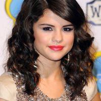 Selena Gomez à Londres : mais où est Justin Bieber (PHOTOS)