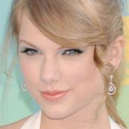 Teen Choice Awards 2011 : pluie de stars sur le tapis bleu (PHOTOS)