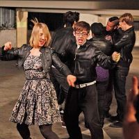 Glee saison 3 : les Bee Gees et deux papas pour Rachel (SPOILER)