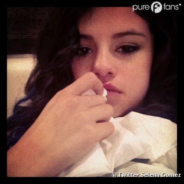 Selena est enrhumée et c'est pas la forme