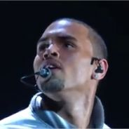 Grammy Awards 2012 : Chris Brown rappe et ses fans dérapent ! Qu'en pense Rihanna ?