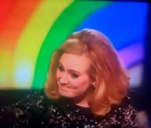 Adele fait un doigt d'honneur aux Brit Awards 2012