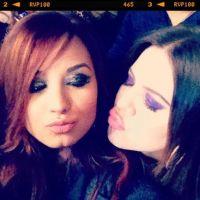 Demi Lovato et Khloe Kardashian : les BFFs s'éclatent en coulisses (PHOTOS)