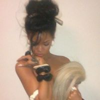 "Rihanna : Ses 10 Twitpics les plus sexy ... ""trash trash trash"" ? (PHOTOS)"