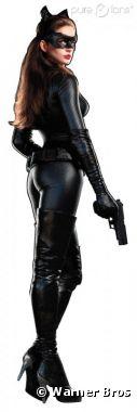 Anne Hathaway ultra moulée en Catwoman