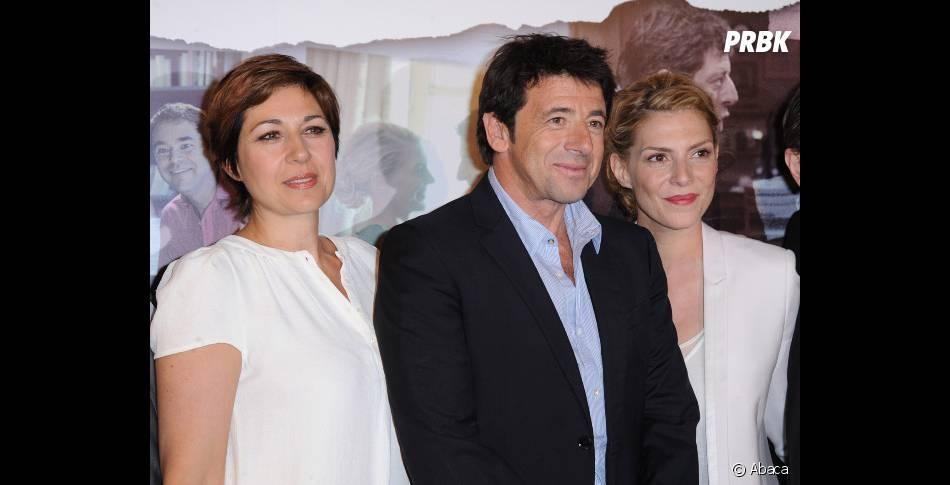 Patrick Bruel entouré de Valérie Benguigui et Judith El Zein, ses partenaires à l'écran