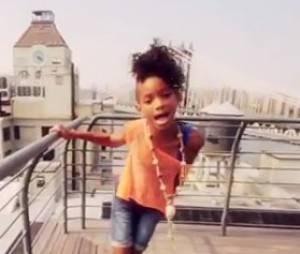Willow Smith sur le toit du monde dans son dernier clip