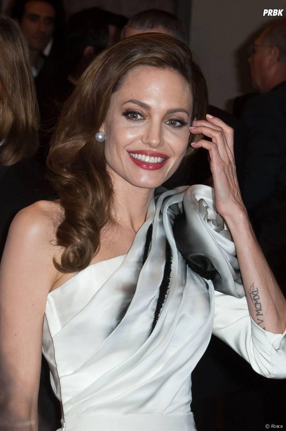 Angelina Jolie Anorexique Photo angelina jolie semble vraiment anorexique - purebreak