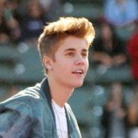 Justin Bieber montre ses fesses devant des milliers de personnes ! Oops (PHOTOS)