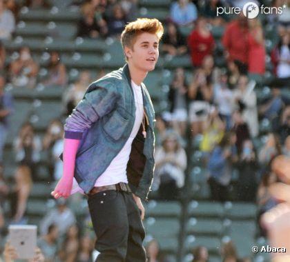 Justin Bieber hyper beau gosse durant le concert wango tango 2012