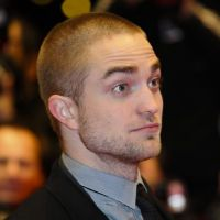 Robert Pattinson : le léchage de tétons, c'est juste pour Kristen Stewart !