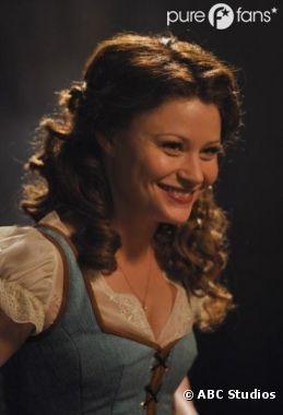 Belle fait son retour pour la saison 2 de Once Upon a Time