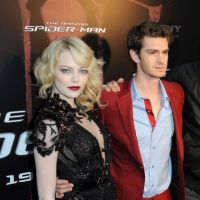 The Amazing Spider-Man : Andrew Garfield voit rouge, Emma Stone en gothique incendiaire (PHOTOS)