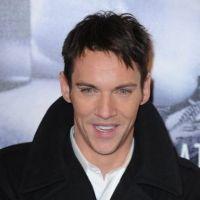 Dracula recrute Jonathan Rhys-Meyers : un Tudor à la tête de la nouvelle série de NBC !
