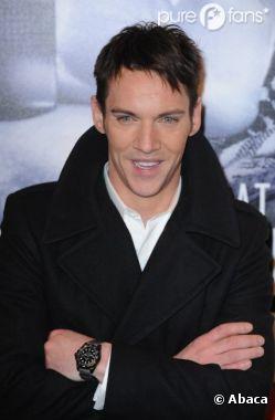 Jonathan Rhys Meyers dans la peau de Dracula pour NBC !