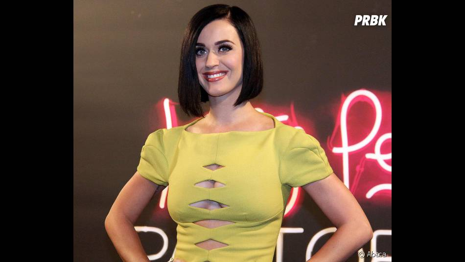 Katy Perry montre ses seins and we like it !